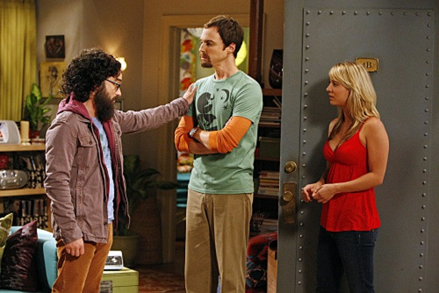Johnny Galecki, Jim Parsons e Kaley Cuoco nell'episodio The Electric Can Opener Fluctuation di  The Big Bang Theory