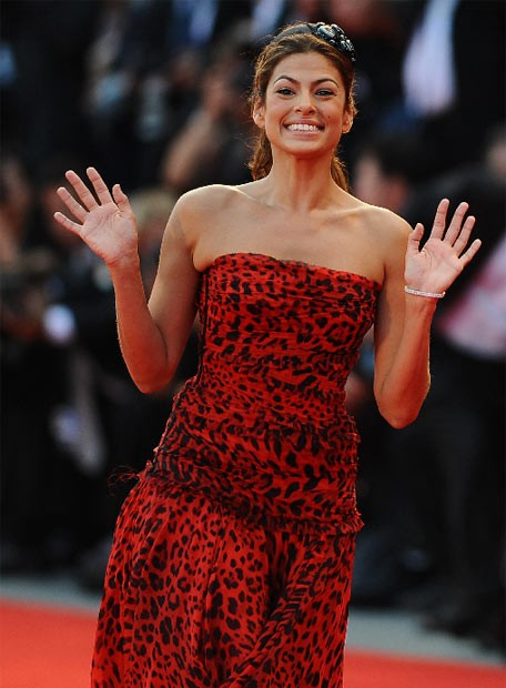 Venezia 2009: Eva Mendes sul red carpet