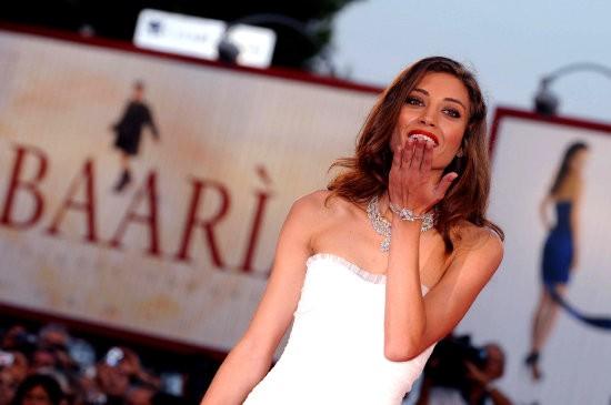 Venezia 2009: la bellissima Margaret Madè, protagonista di Baaria, sul red carpet