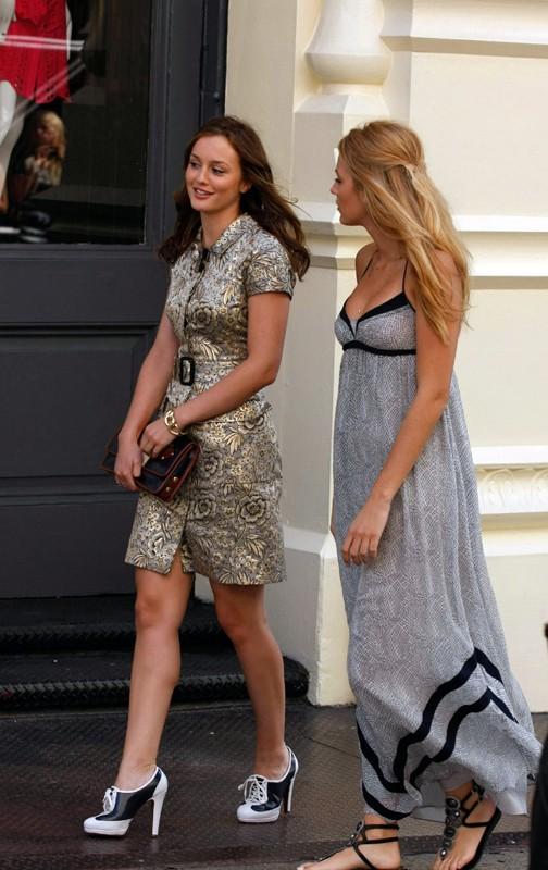 Blair (Leighton Meester) e Serena (Blake Lively) in una scena dell'episodio Reversals of Fortune di Gossip Girl