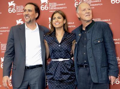 Venezia 2009: Eva Mendes, Nicolas Cage e Werner Herzog presentano il remake de Il cattivo tenente