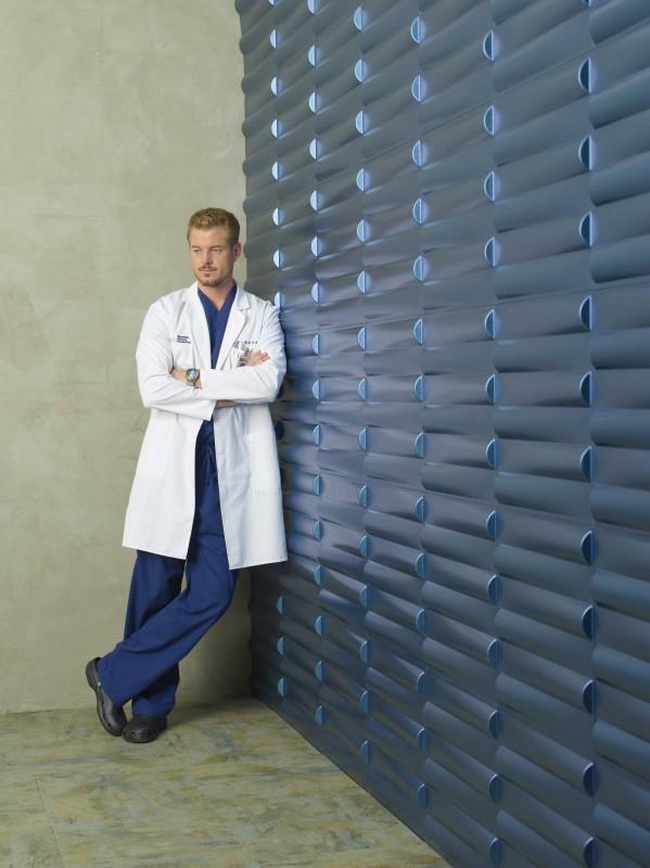 Eric Dane in una posa promozionale per la sesta stagione della serie tv  Grey's Anatomy