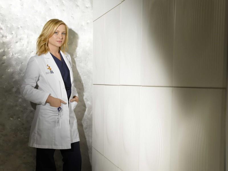 Jessica Capshaw in una foto pubblicitaria per la sesta stagione di Grey's Anatomy