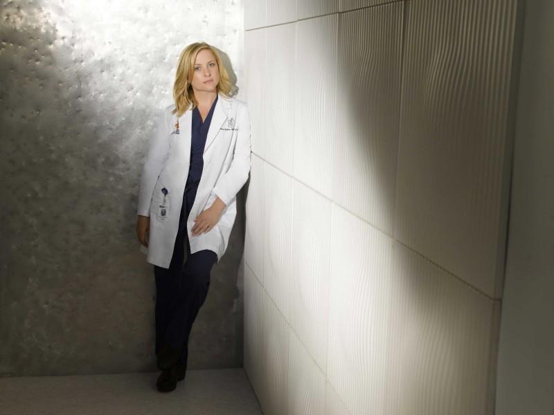 Un'immagine di Jessica Capshaw per la sesta stagione di Grey's Anatomy