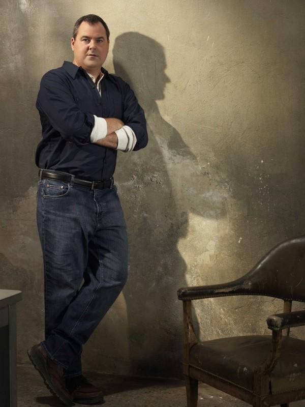 Bob Stephenson in una foto promozionale della serie The Forgotten