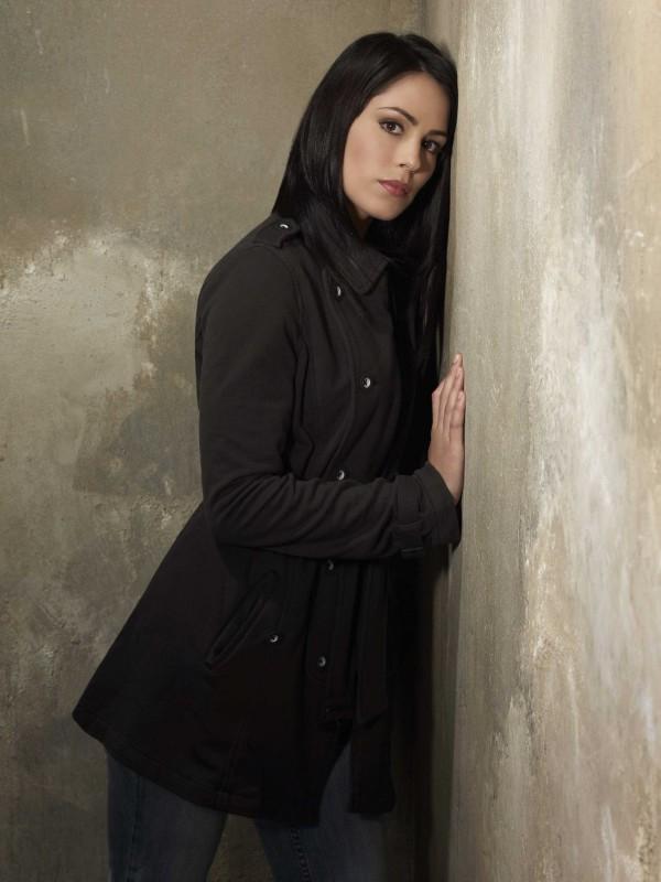 Michelle Borth in una immagine promozionale della serie The Forgotten