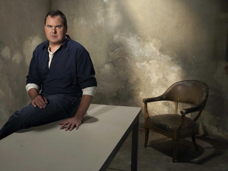 Una foto promozionale di Bob Stephenson per la serie The Forgotten