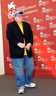 Venezia 2009: Michael Moore presenta il suo ultimo documentario, Capitalism