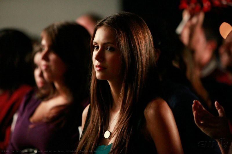 Elena interpreta Nina Dobrev nell'episodio Friday Night Bites della serie The Vampire Diaries