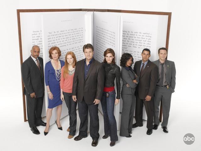 Una foto di gruppo per la seconda stagione di Castle
