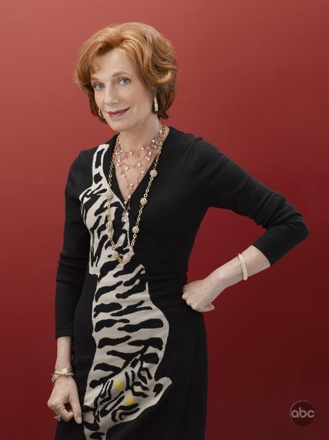 Susan Sullivan per la seconda stagione di Castle