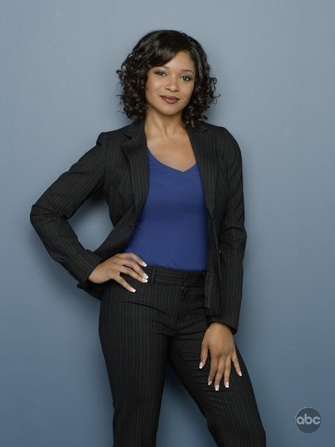 Tamala Jones posa per le foto promozionali della seconda stagione di Castle