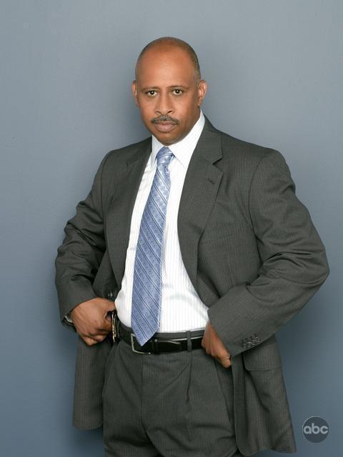 Un'immagine di Ruben Santiago-Hudson per la seconda stagione di Castle