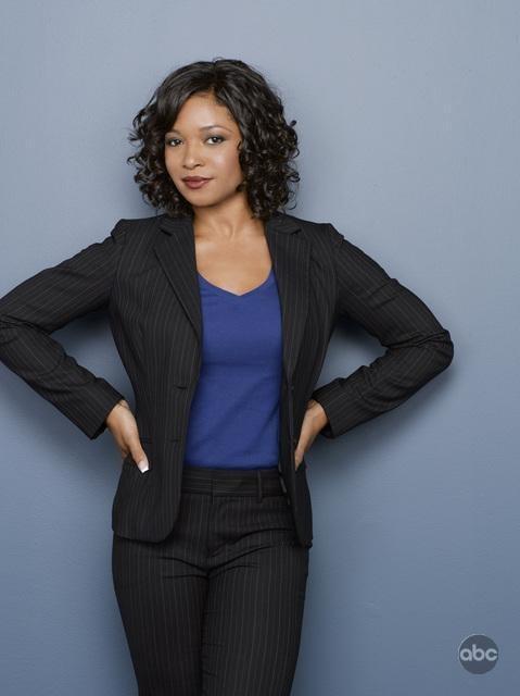 Un'immagine di Tamala Jones per la seconda stagione di Castle