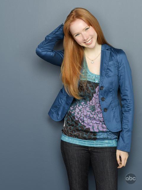 Una foto di Molly Quinn per la seconda stagione di Castle