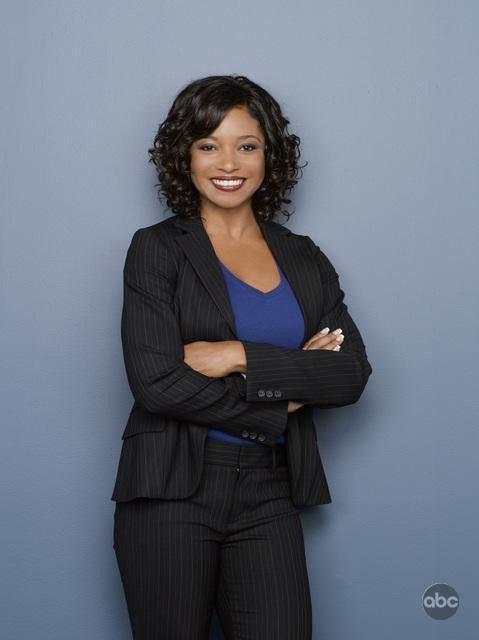 Una foto di Tamala Jones per la seconda stagione di Castle