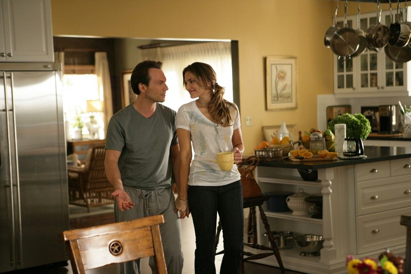 Henry Spivey (Christian Slater) e Angie Spivey (Madchen Amick) in una scena della serie My Own Worst Enemy