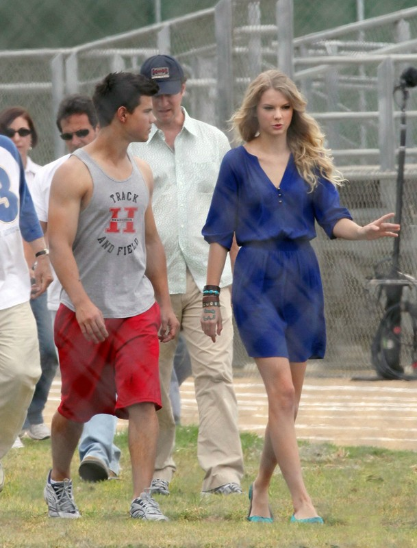 Taylor Lautner e Taylor Swift sul set di Valentine's Day