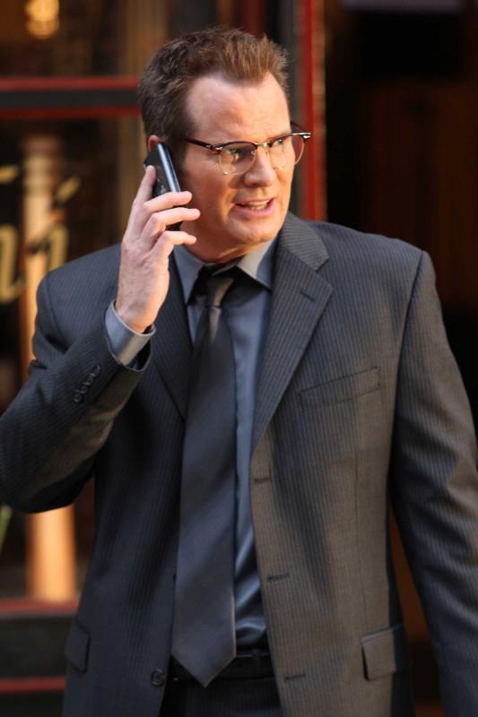 Jack Coleman in una scena tratta dalla premiere della stagione 4 di Heroes