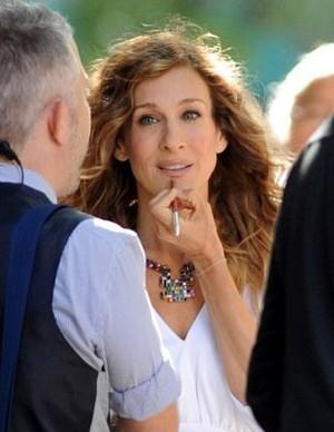 Sarah Jessica Parker al trucco durante le riprese del sequel di Sex and the City