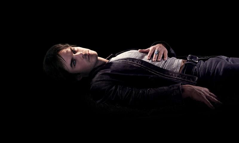 Ian Somerhalder in un'immagine promozionale della serie tv The Vampire Diaries