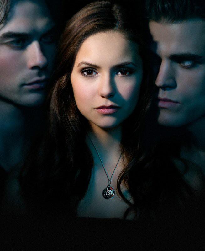 Il trio protagonista in una foto promo della serie tv The Vampire Diaries