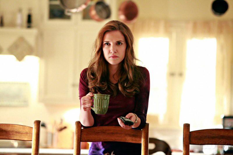 Sara Canning interpreta zia Jenna nell'episodio Family Ties della serie The Vampire Diaries