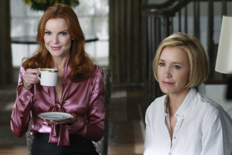 Desperate Housewives: Felicity Huffman accanto a Marcia Cross in Nice is Different Than Good, primo episodio della sesta stagione