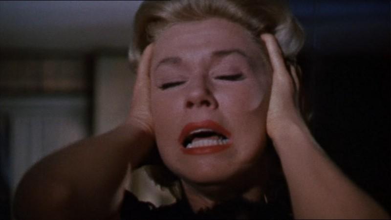 Doris Day in una scena del film Merletto di mezzanotte