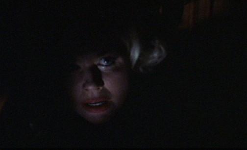 Doris Day in una scena del film Merletto dimezzanotte (1960) diretto da David Miller