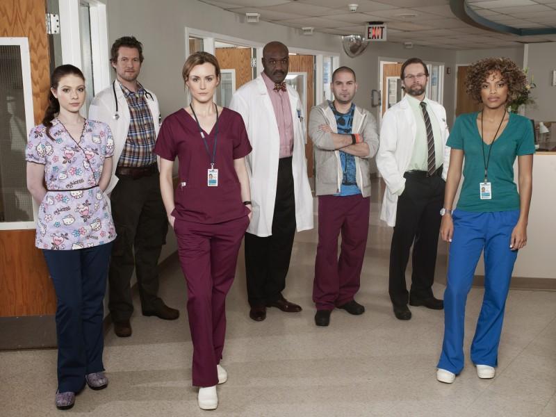 Il cast della serie Mercy in una foto promozionale