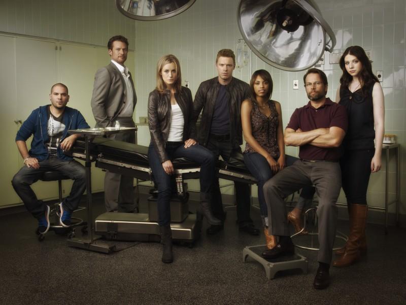Il cast della serie Mercy in una immagine promozionale