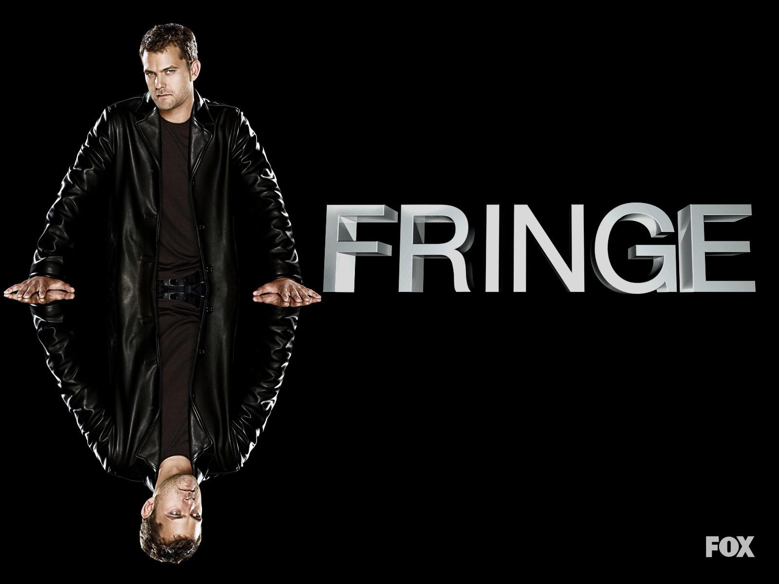 Joshua Jackson in un wallpaper della stagione 2 di Fringe