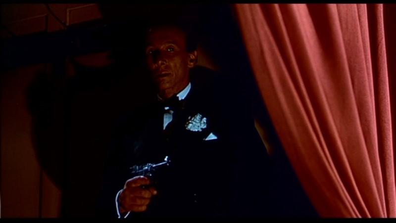 Reggie Nalder in una scena del film L\'uomo che sapeva troppo