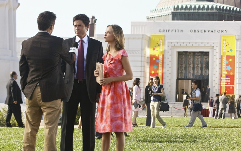 Rob Lowe e Calista Flockhart nel primo episodio della quarta stagione della serie Brothers & Sisters
