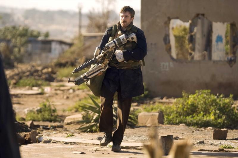 Sharlto Copley è il protagonista del film District 9