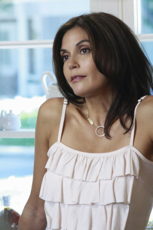Teri Hatcher in Nice is Different Than Good, primo episodio della sesta stagione di Desperate Housewives