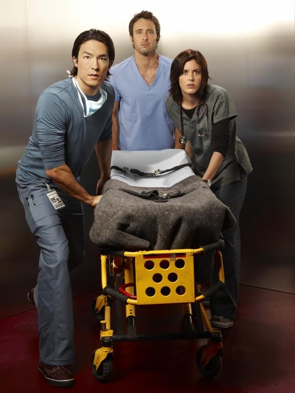 Una immagine promozionale di Alex O'Loughlin, Katherine Moennig e Daniel Henney per la serie Three Rivers