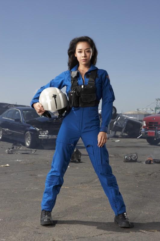 Aimee Garcia in una foto promozionale della serie Trauma
