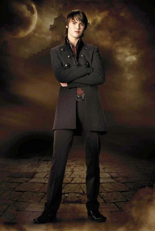 Cameron Bright è Alec del clan dei Volturi in una foto di Twilight Saga: New Moon