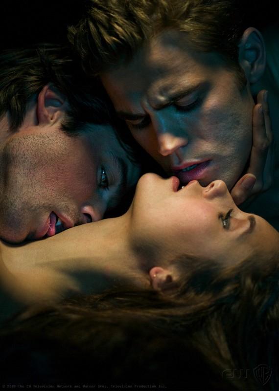 I tre protagonisti di The Vampire Diaries in una foto promozionale della serie