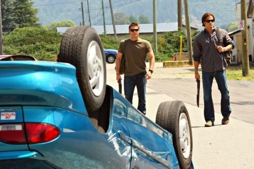 Jensen Ackles e Jared Padalecki in un momento dell'episodio Good God, Y'All di Supernatural