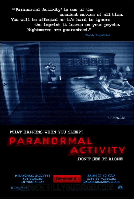 La locandina di Paranormal Activity