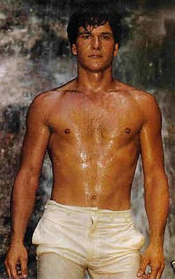 Patrick Swayze in una immagine sexy degli anni '80