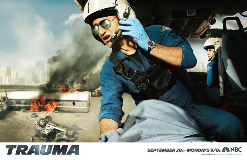 Uno dei suggestivi poster della serie Trauma