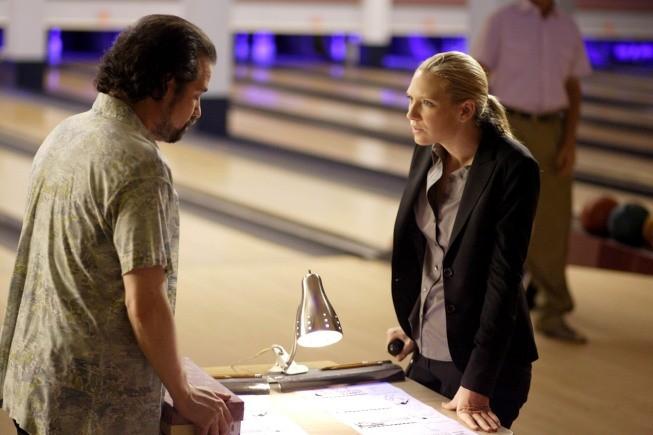 Anna Torv in una scena dell'episodio Fracture di Fringe