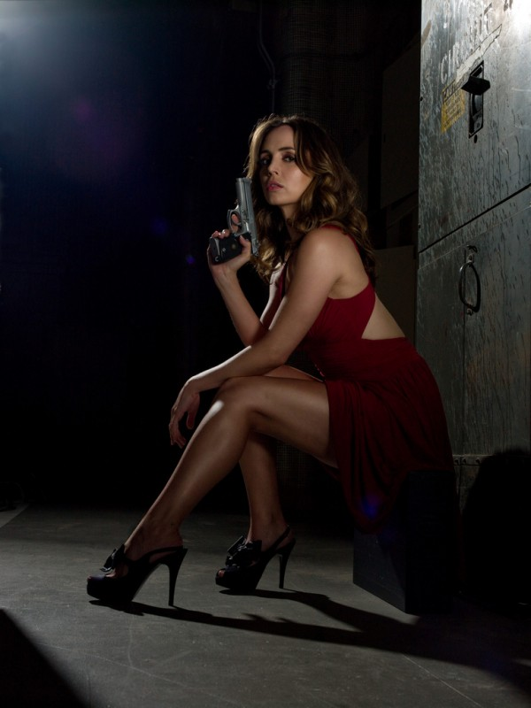 Eliza Dushku in uno scatto promozionale della stagione 2 di Dollhouse