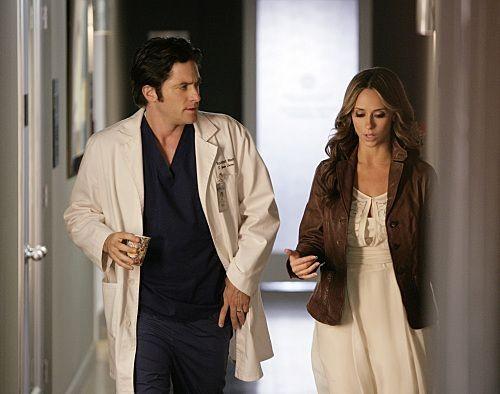Ghost Whisperer: Jennifer Love Hewitt e David Conrad nell'episodio See No Evil, della quinta stagione