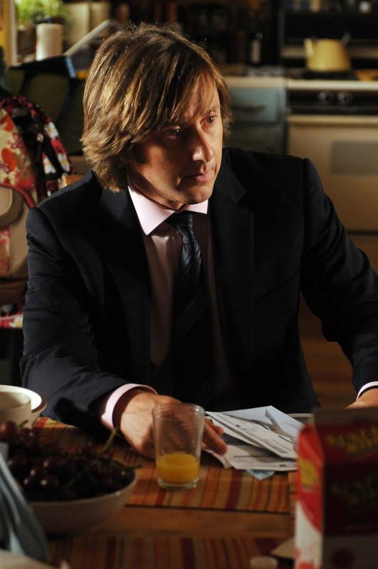 Medium: Jake Weber nell'episodio Deja vu All Over Again della sesta stagione.