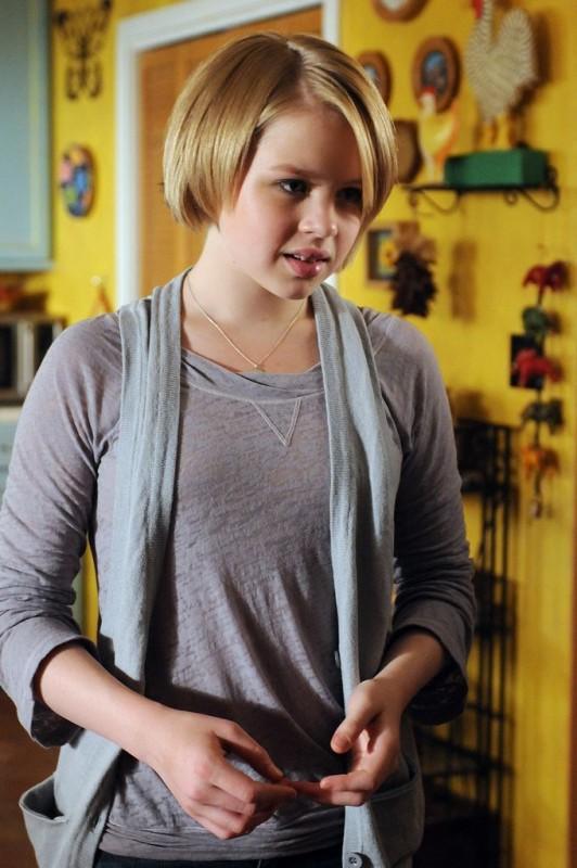 Medium: Sofia Vassilieva nell'episodio Deja vu All Over Again della sesta stagione.